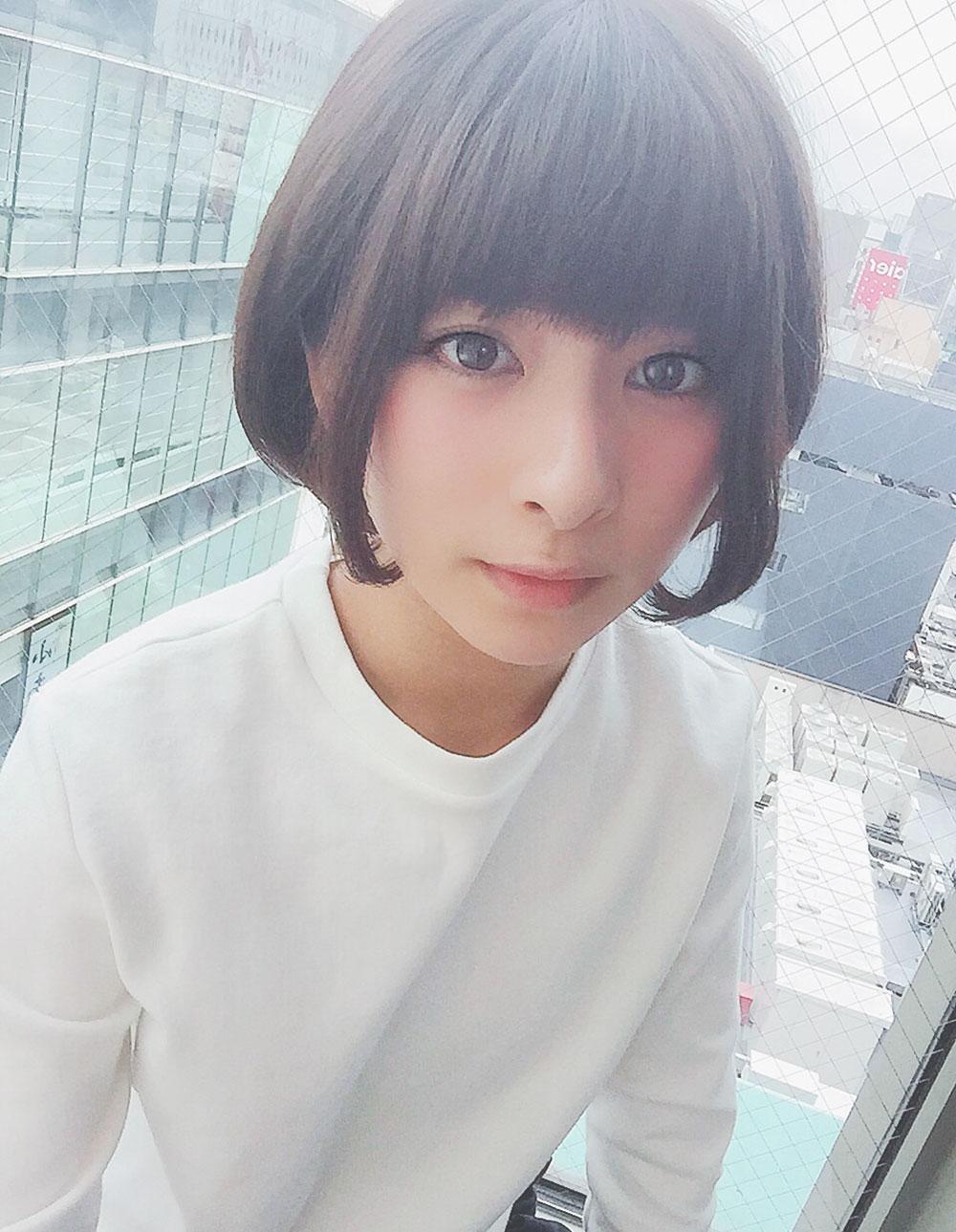 ヘアスタイルカタログ目ヂカラショート